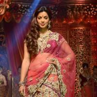 Mugdha Godse - Vikram Phadnis fashion show on wedding designs Photos