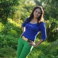Sneghal - Naalu Perum Romba Nallavanga Movie Photos | Picture 455083