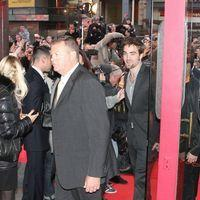 Robert Pattinson arrives at the UGC Capucines