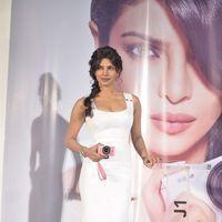 Priyanka Chopra at the launch of Nikon cameras - Photos