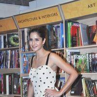Katrina Kaif - Katrina Kaif and Prakash Jha launch a book Raajneeti - Photos