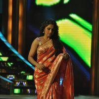 Rani Mukerji - Rani, Madhuri on the sets of Jhalak Dikhla Ja Photos
