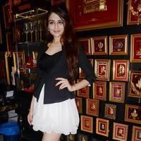 Zoya Afroz - Ponds Miss India winners launch 24kt Gold Foil Windows Photos   Picture 503926