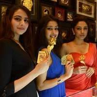 Ponds Miss India winners launch 24kt Gold Foil Windows Photos