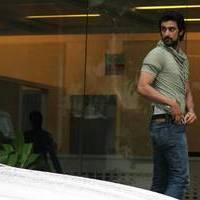 Kunal Kapoor - Celebrities meet Hrithik Roshan at hospital photos | Picture 505080