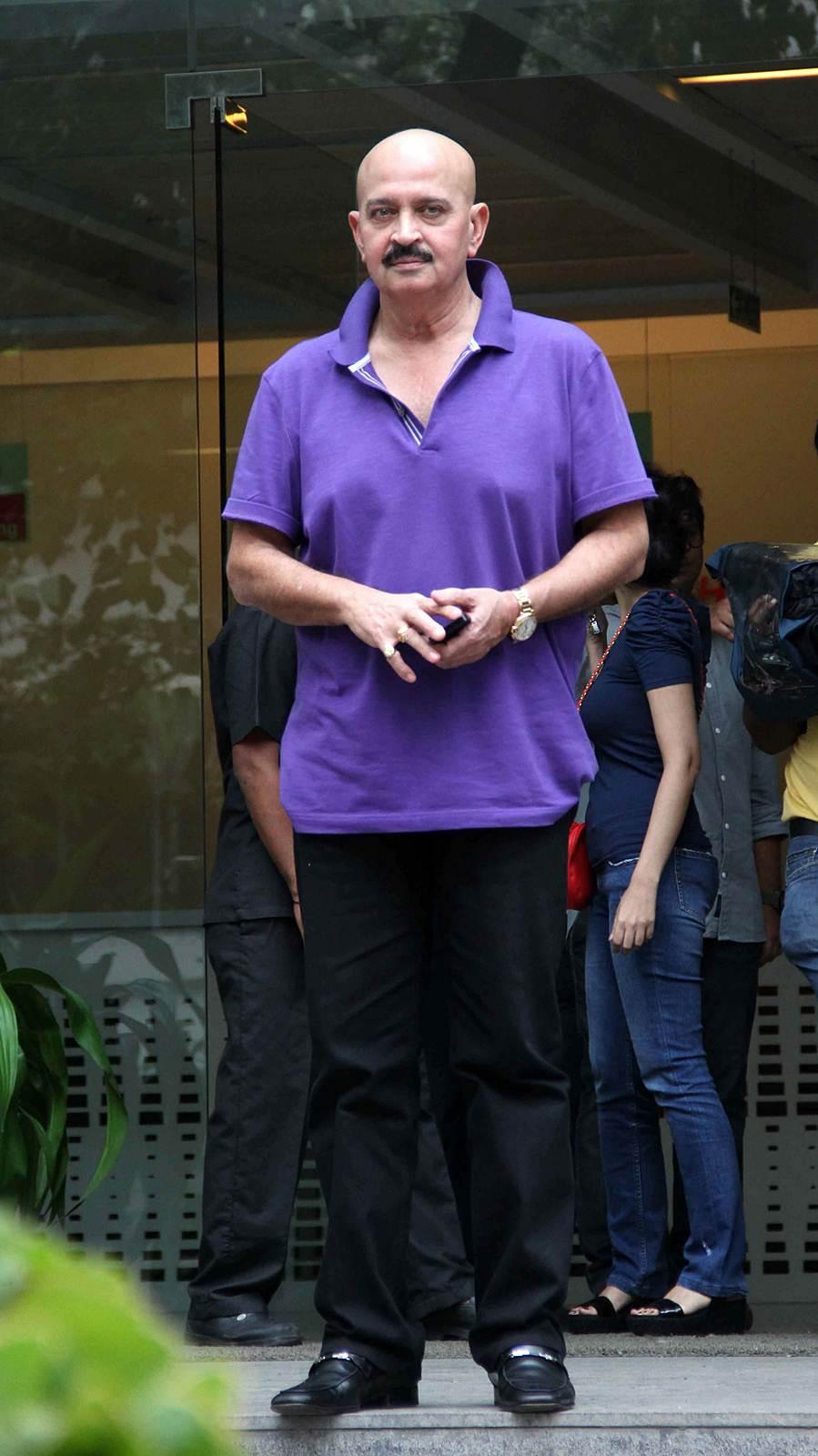 Rakesh Roshan - Celebs to meet Hirthik Roshan after brain surgery Photos | Picture 504151