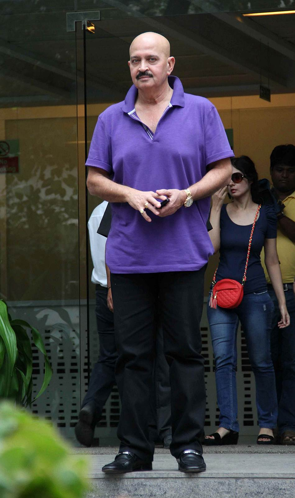 Rakesh Roshan - Celebs to meet Hirthik Roshan after brain surgery Photos | Picture 504152