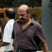 Rajesh Roshan - Celebs to meet Hirthik Roshan after brain surgery Photos