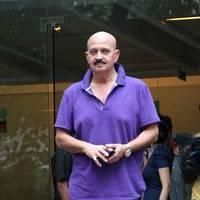 Rakesh Roshan - Celebs to meet Hirthik Roshan after brain surgery Photos