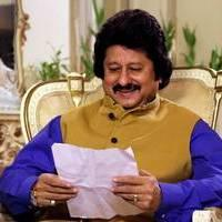 Pankaj Udhas - Pankaj Udhas unveils his new album Hey Krishna Photos | Picture 505064