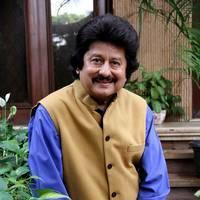 Pankaj Udhas - Pankaj Udhas unveils his new album Hey Krishna Photos | Picture 505066