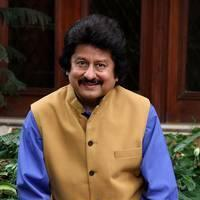 Pankaj Udhas - Pankaj Udhas unveils his new album Hey Krishna Photos | Picture 505067