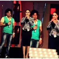 Veena Malik Bombastic performance at Gujarati Gaurav Vanta Awards Photos | Picture 453705