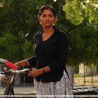 Sunaina - Neer Paravai Movie Stills | Picture 208602