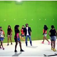 Kutralam Movie Promo Song Love Failure Anthem Making Photos   Picture 461085