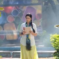 Charmi at Saradaga Ammayitho Shooting Spot Photos | Picture 503456