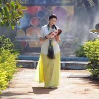 Charmi at Saradaga Ammayitho Shooting Spot Photos | Picture 503472