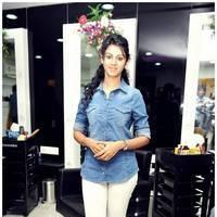 Kamna Jethmalani - Naturals Launches Salon at Guntur by Kamna Jethamalani , Madhavi Latha Photos | Picture 468639