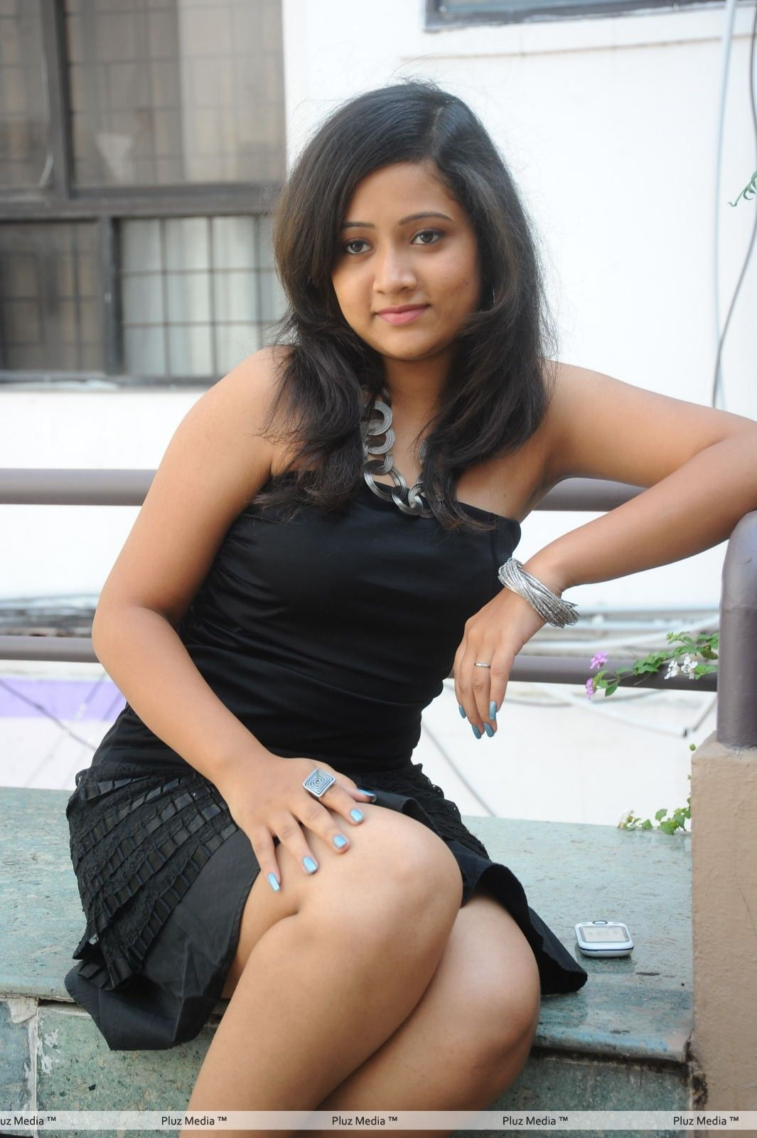 Sindhu sri hot photoshoot stills at cool boys hot girls for Today hot pic