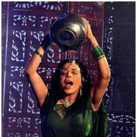 Flora Saini - Aakasam lo Sagam Movie Working Stills   Picture 501113