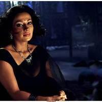 Flora Saini - Aakasam lo Sagam Movie Working Stills