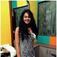 Kamna Jethmalani Latest Photos at Shades Family Beauty Salon Launch | Picture 500978