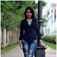 Catherine tresa New Stills in Iddarammayilatho movie | Picture 506993