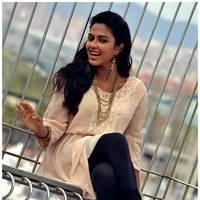 Amala Paul New Photos from Iddarammayilatho Movie | Picture 512914