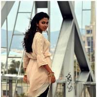 Amala Paul New Photos from Iddarammayilatho Movie | Picture 512930