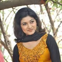 Oviya Helen at H Productions New Movie Launch Photos | Picture 452381
