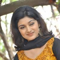 Oviya Helen at H Productions New Movie Launch Photos | Picture 452386