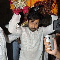 Emraan Hashmi - Emran Hashmi visits Mahim Durga on the occasion of Eid - Stills