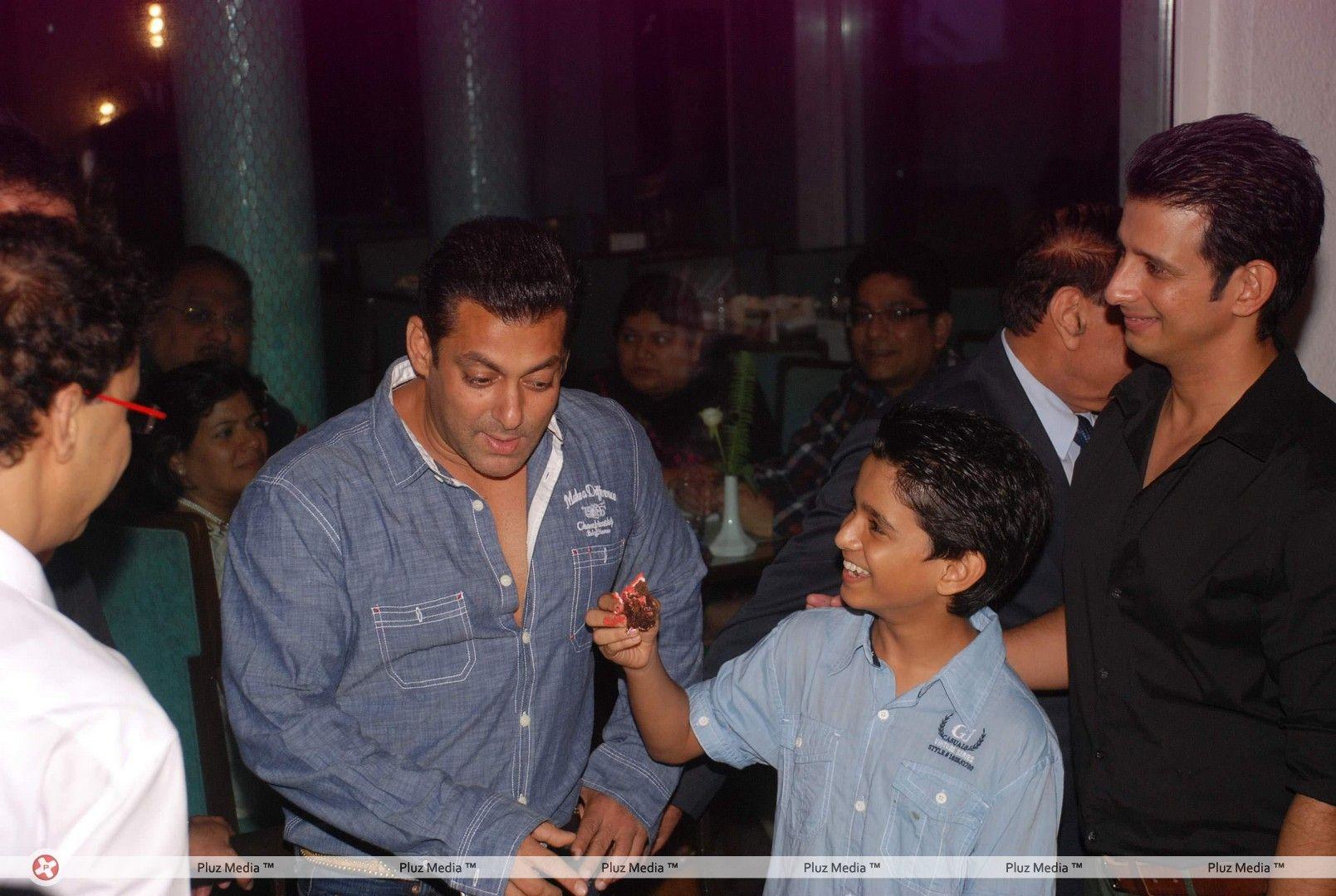 Salman Khan - Success Bash Of Sharman Joshis Film Ferrari -8843