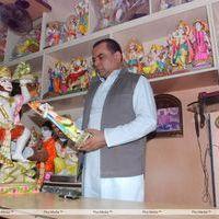 Paresh Rawal - Paresh Rawal Sells Ganesh Idols to Promote OMG - Photos   Picture 270240