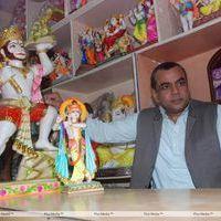 Paresh Rawal - Paresh Rawal Sells Ganesh Idols to Promote OMG - Photos   Picture 270241