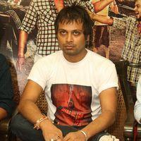 Manish Vatsalya - Ravi Kissen With Cast Of Jeena Hai Toh Thok Daal At  Press Meet - Stills